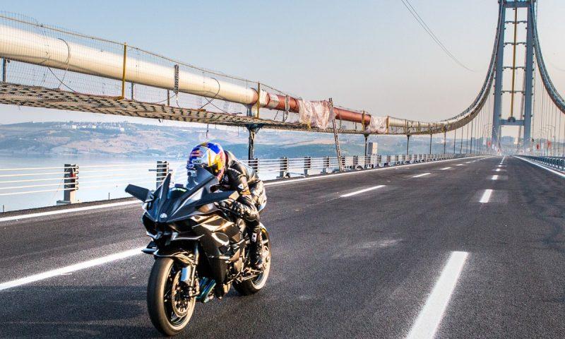 Kawasaki Ninja H2R atinge 400 km/h na Turquia